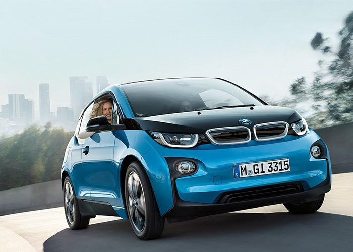 ทดสอบการขับเคลื่อนด้วยระบบพลังงานไฟฟ้าเต็มรูปแบบในไทยกับ BMW i3